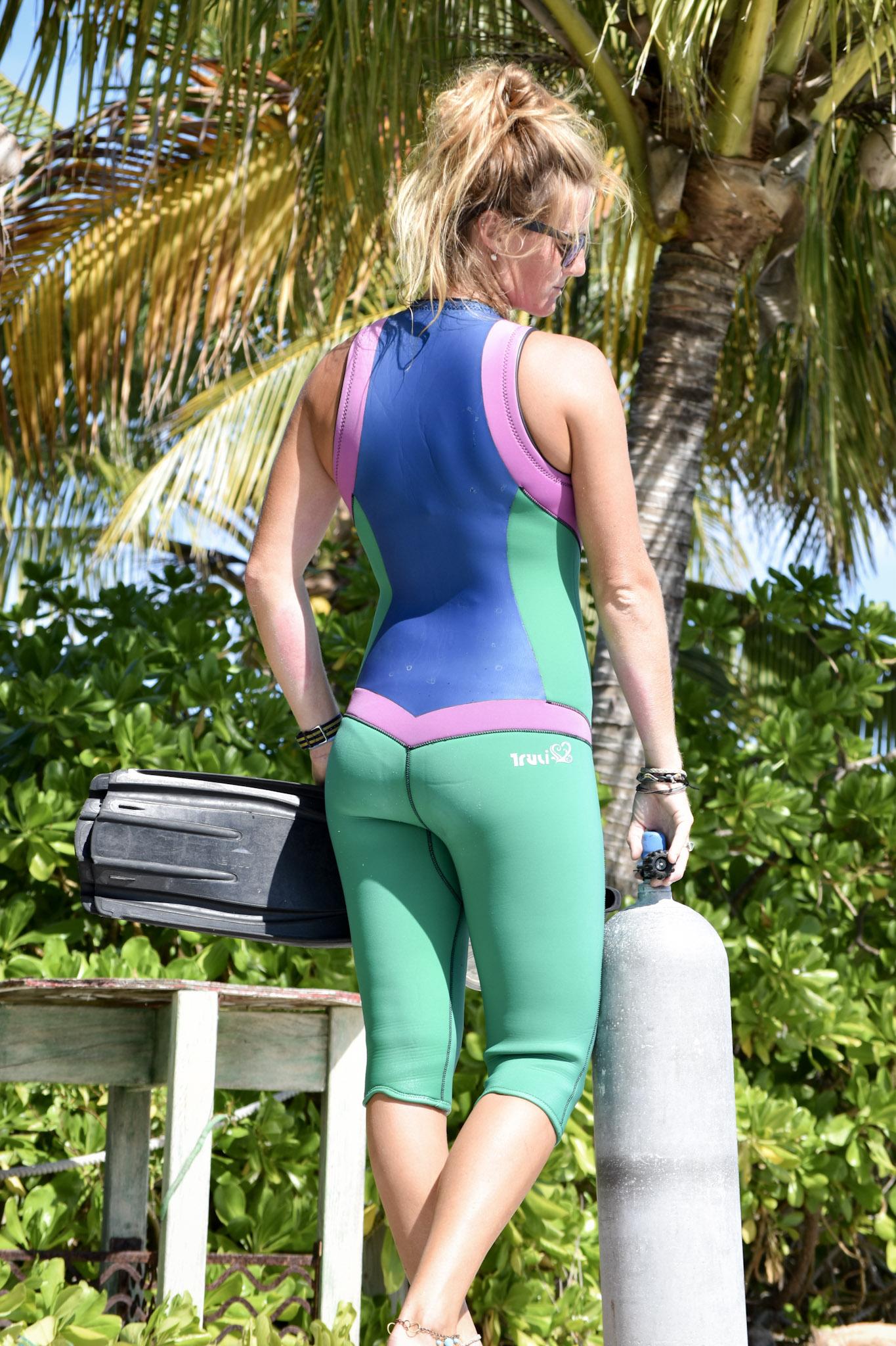 Womens Wetsuit BackTruliCapri CescaPeirce JackieWalker TruliWetsuits.  DSC 0735.  Womens Wetsuit BackTruliCapri CescaPeirce JackieWalker TruliWetsuits 8a7ecadd2